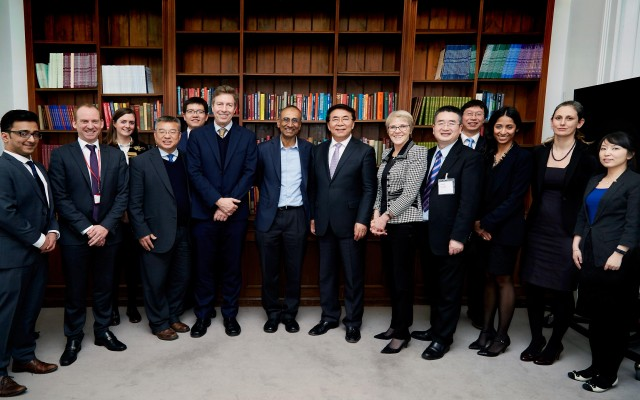 Delegations from the Royal Society, TWAS and the Chinese Academy of Sciences discussed cooperation in science-for-development initiatives in London. [Photo: The Royal Society]